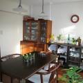 反対の壁面に家具を設置